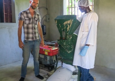 TGD - Training at AFASDAH - Milling the Leaf Powder for the Sample